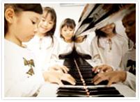 ピアノ教室のレッスン風景アルバム